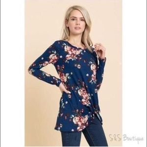 Tops - Plus Navy Floral Front Knot Top